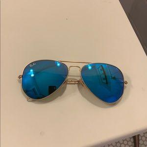 Blue Mirrored Ray-Ban Aviators